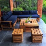 Comment habiller votre jardin avec le canapé en palettes ?
