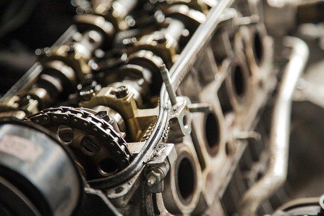 Quel est le réglage du mécanisme d'un portail coulissant ?