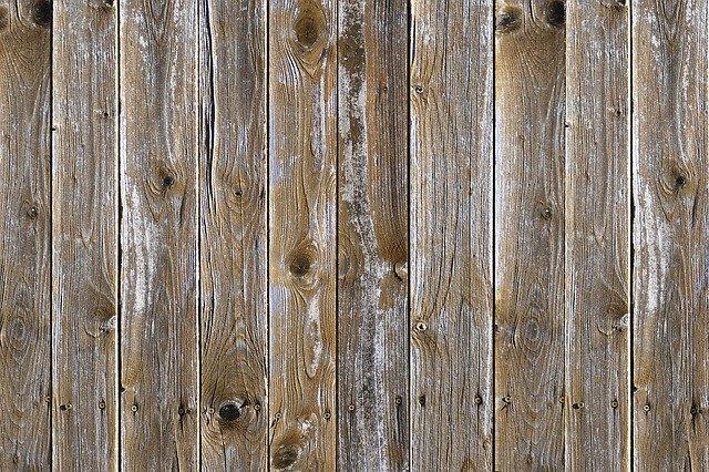 Lames de terrasse en bois exotique pas chères : où les acheter et à quels prix ?
